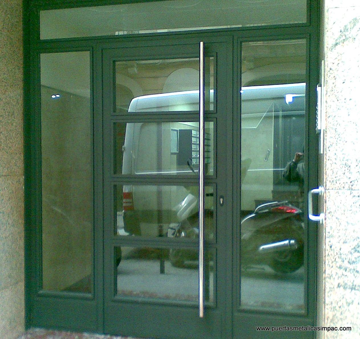 Puertas portones hierro rejas artisticos eeq pictures - Rejas para puertas ...